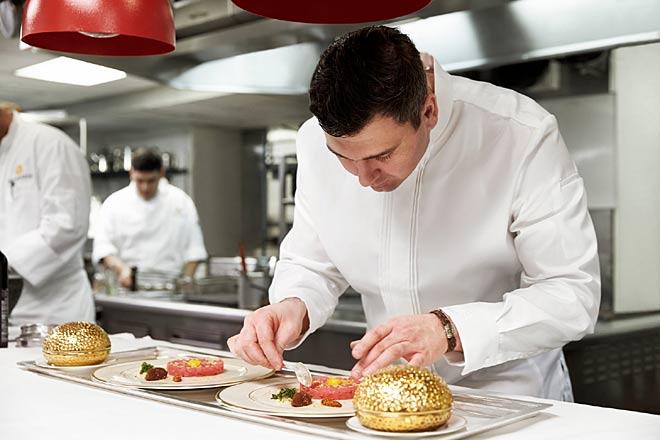 استخدام آشپز حرفه ای